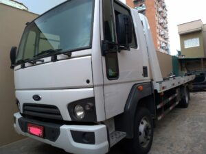 Vende-se Guincho Ford Cargo 816 S Plataforma